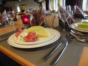 Diner (voorgerecht op tafel)